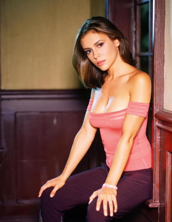Alyssa-Milano-Phoebe-Halliwell-Charmed-Season-2-charmed-30236137-734-944